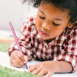 De fantasie van kinderen kan zich uiten in hun tekeningen